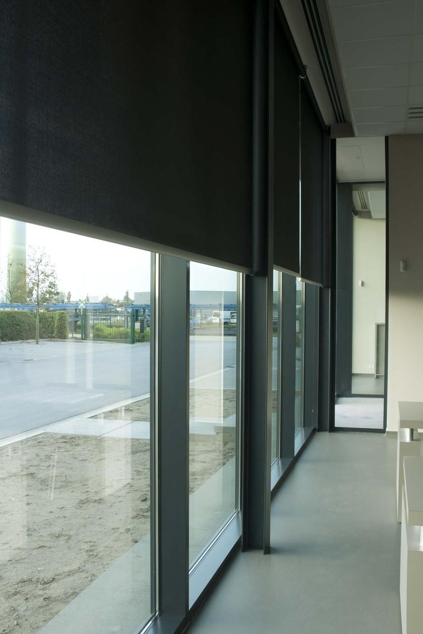 Технические рулонные шторы большого формата