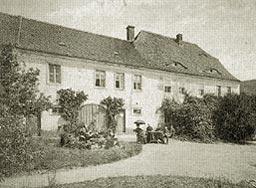 Älteste Photographie vom Pfarrhaus, leider ohne Jahresangabe, ebensowenig konnte bisher die Pfarrfamilie identifiziert werden