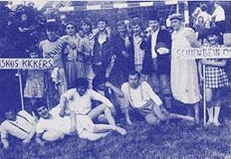 Sport und Spaβ mit den Fuβballern beim traditionellen Kinderfest