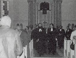 Das Ende des Ordinationsgottesdienstes von Pfarrer Ellinger am 31. August 1986 mit Superintendent Dr. Kupke