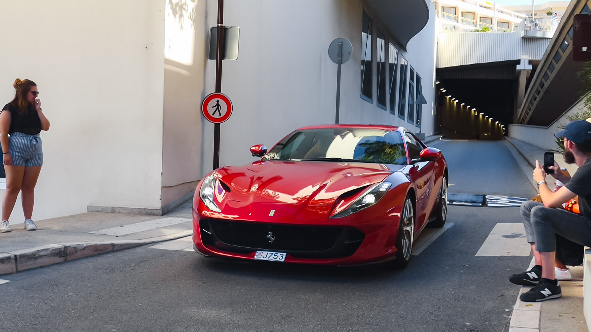 Ferrari 812 Superfast - J753 (MC)