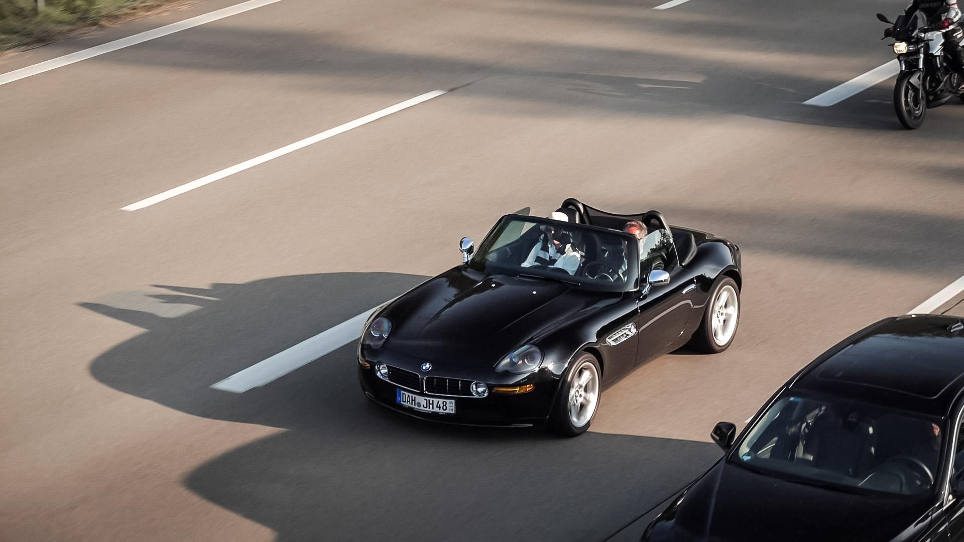 BMW Z8 - DAH-JH-48