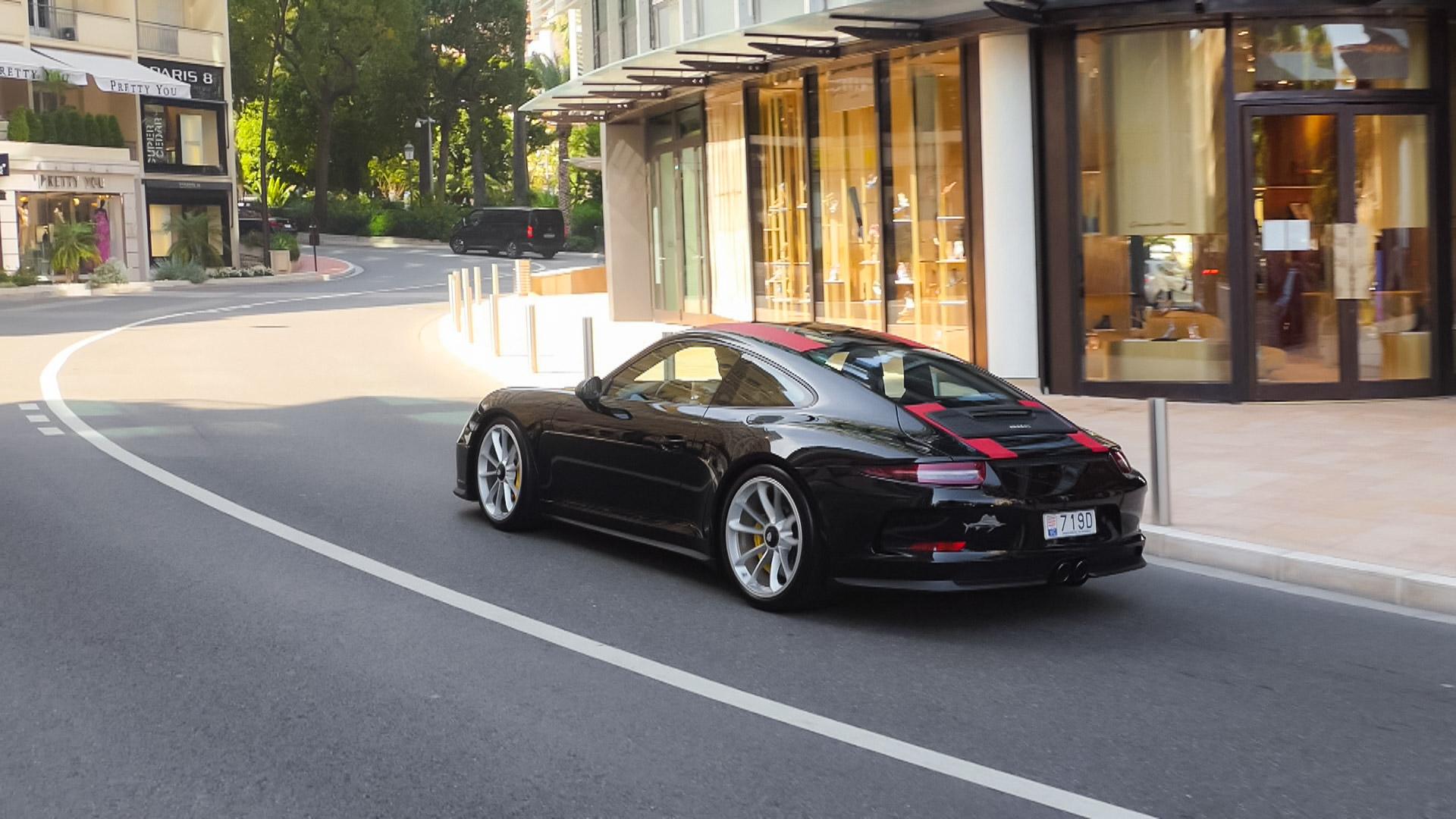Porsche 911 R - 719D (MC)