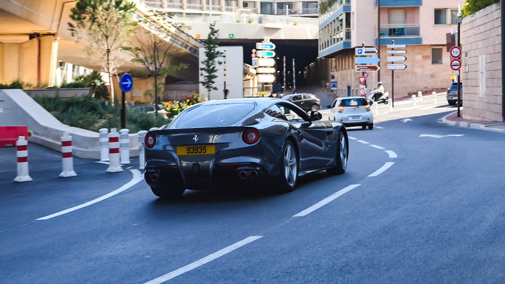 Ferrari F12 Berlinetta - 93935 (GB)
