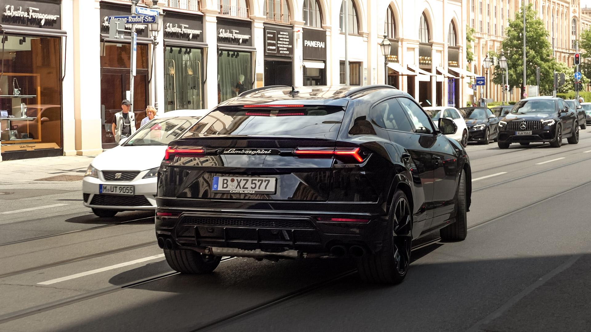 Lamborghini Urus - B-XZ-577