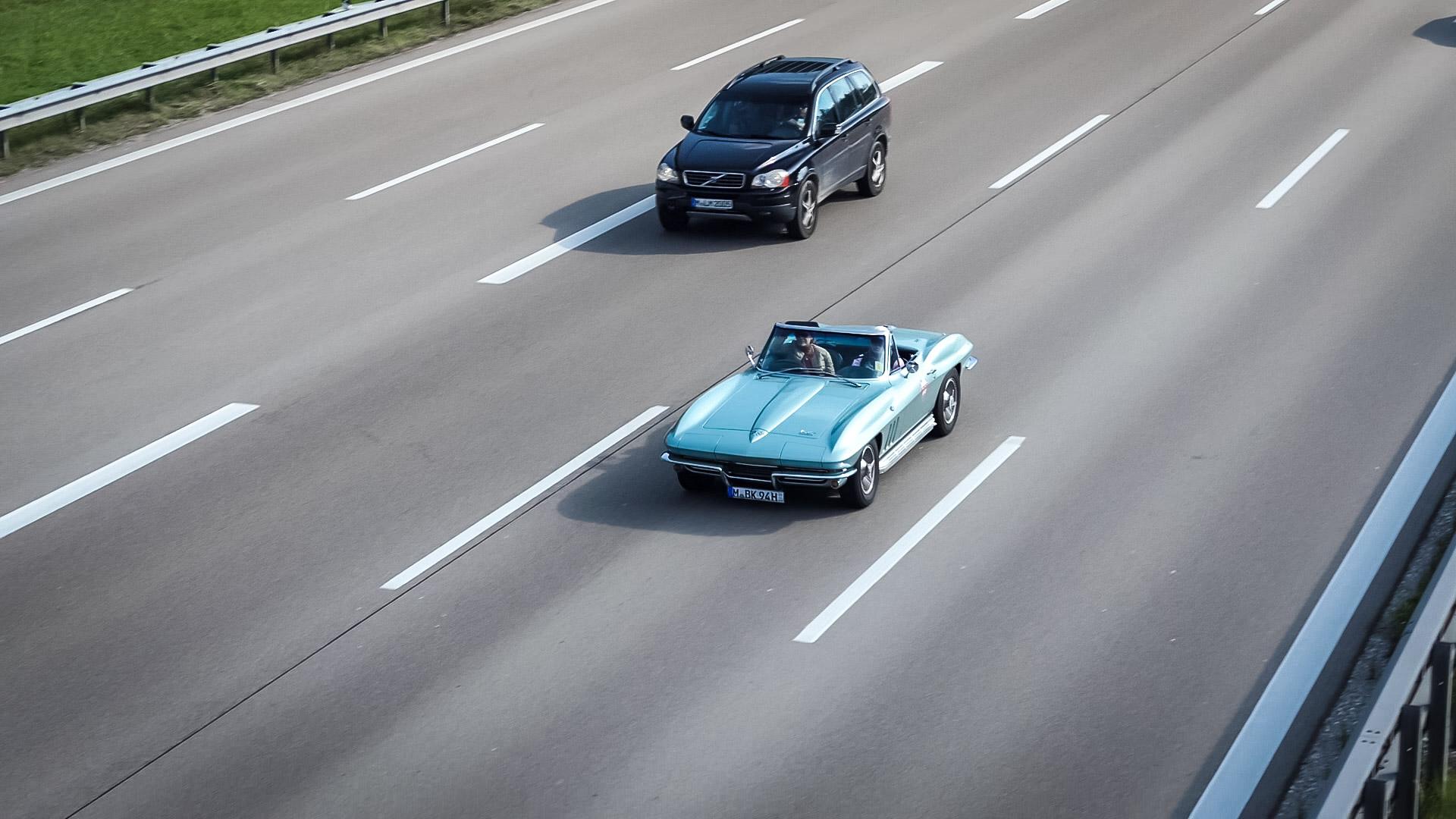 Chevrolet Corvette C2 - M-BK-94H