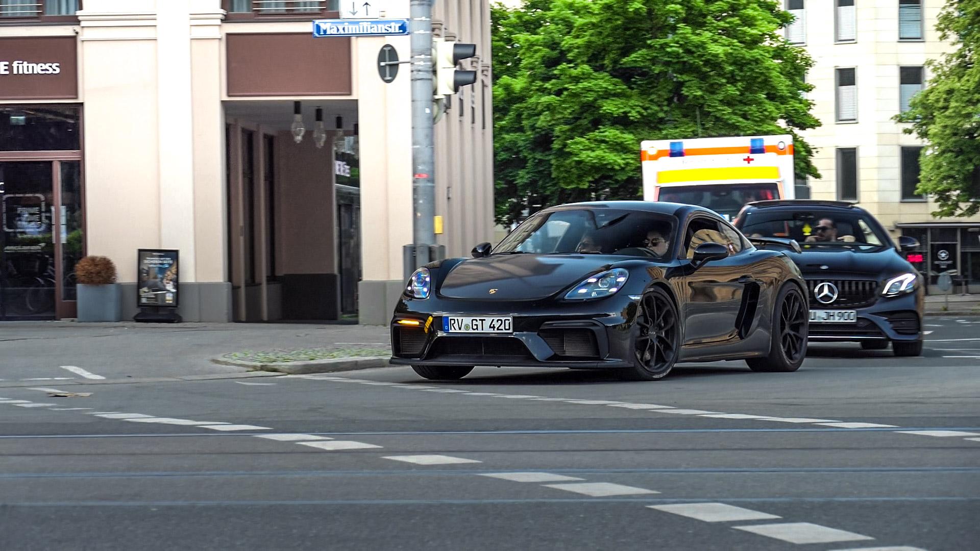 Porsche Cayman GT4 - RV-GT-420