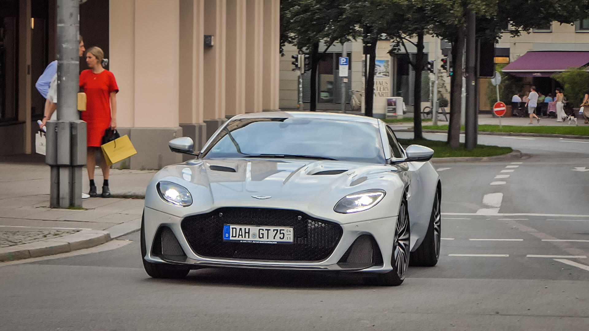 Aston Martin DBS Superleggera - DAH-GT-75
