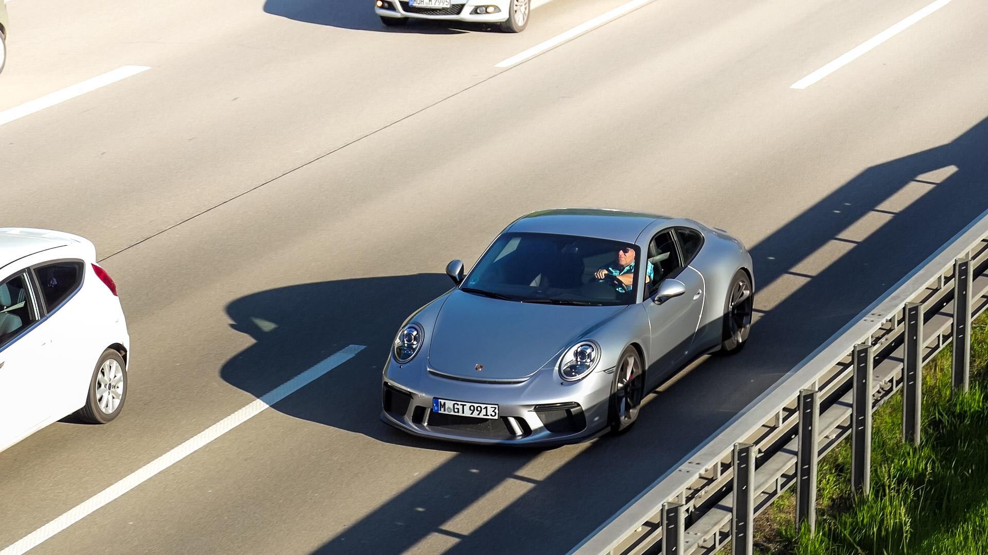 Porsche 991 GT3 Touring Package - M-GT-9913