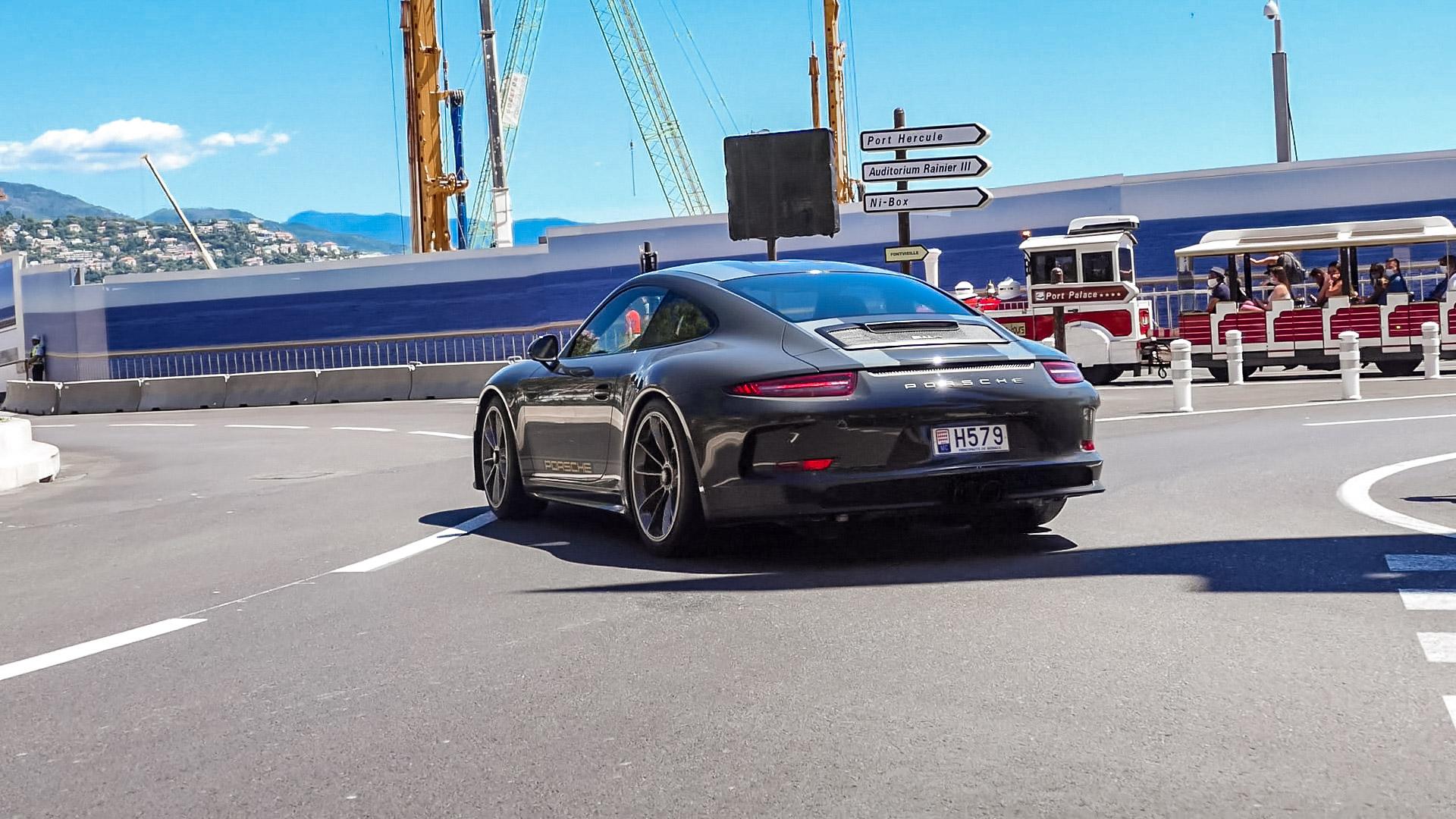 Porsche 911 R - H579 (MC)