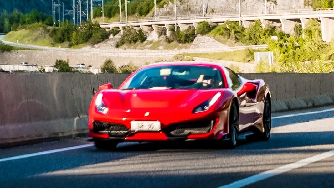 Ferrari 488 Pista - GR-30 (CH)