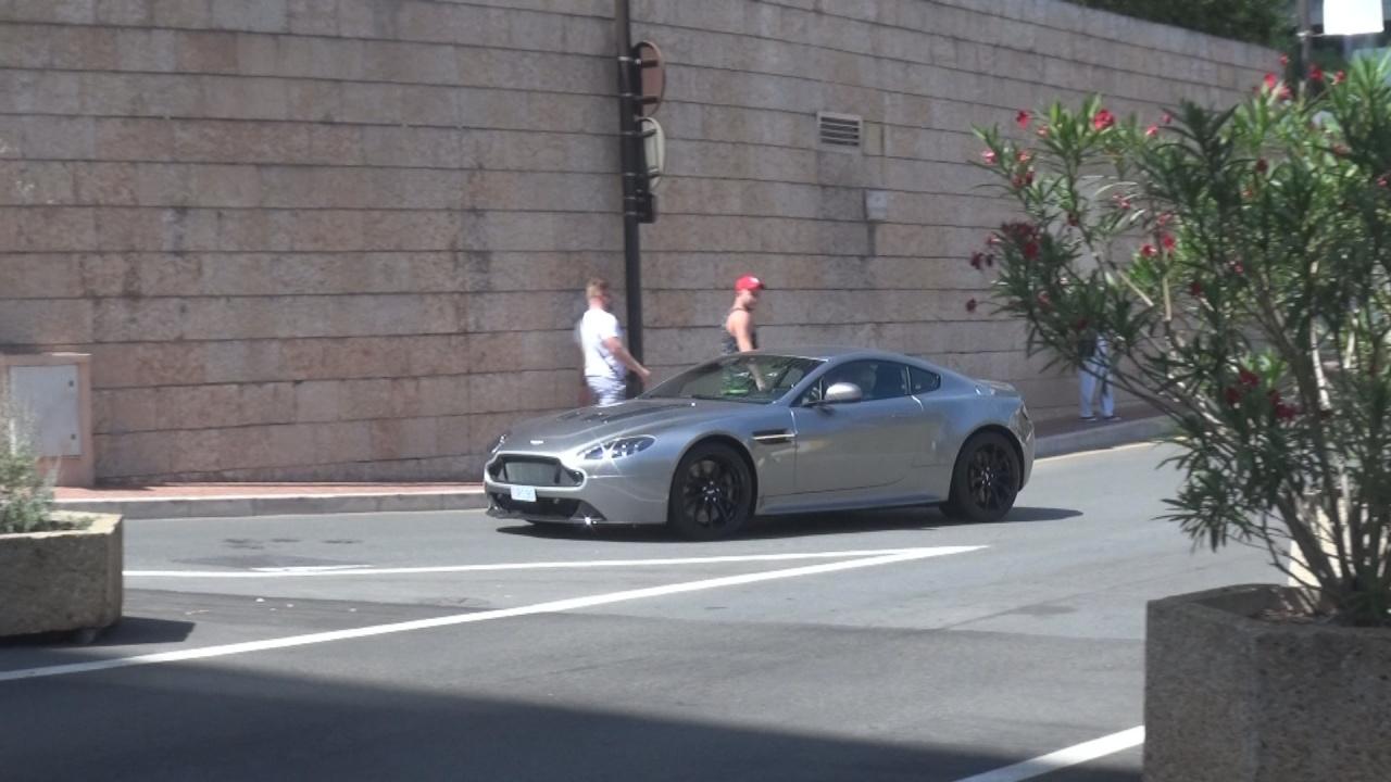 Aston Martin Vantage V12 S - R090 (MC)
