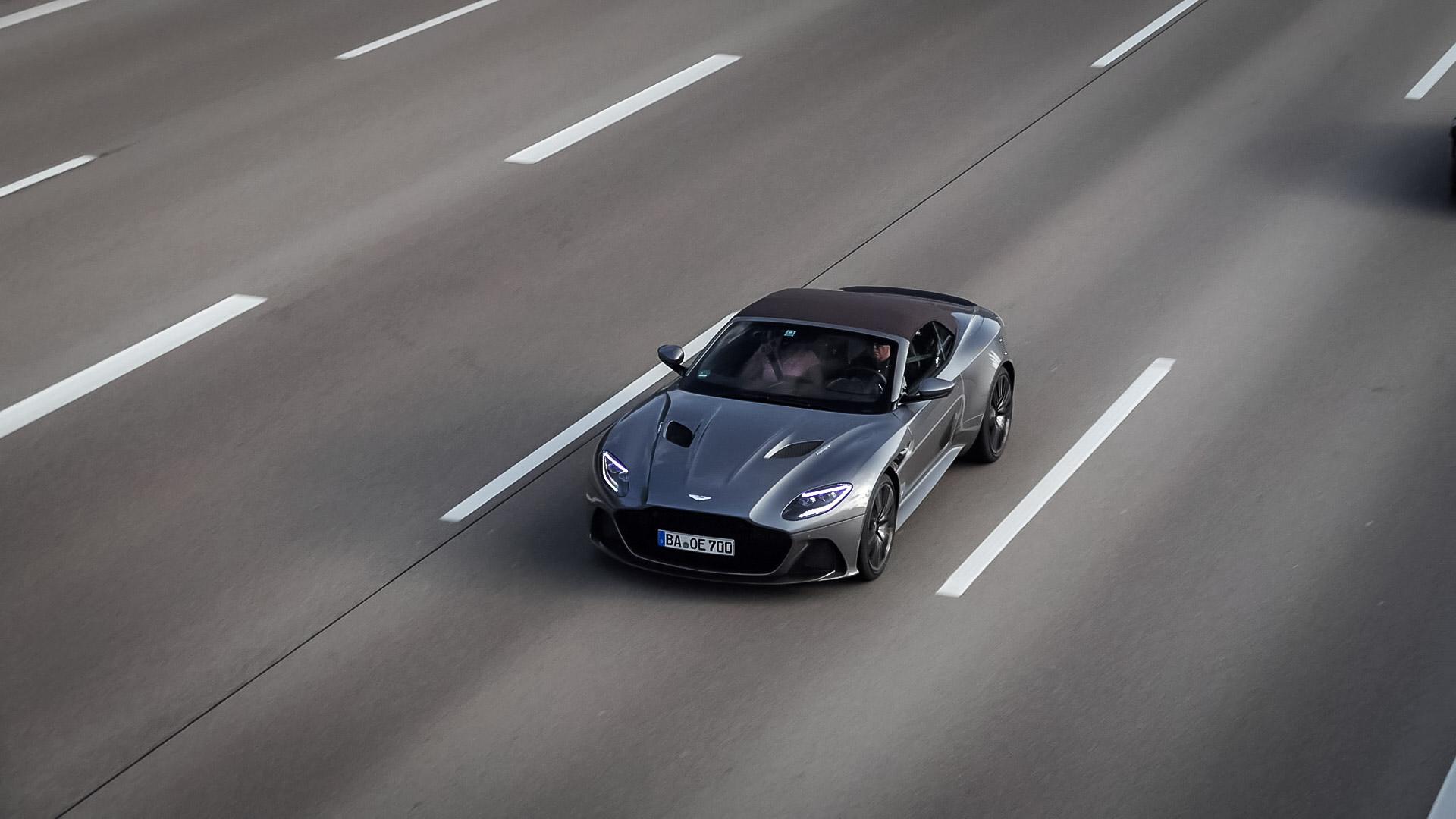 Aston Martin DBS Superleggera Volante - BA-OE-700