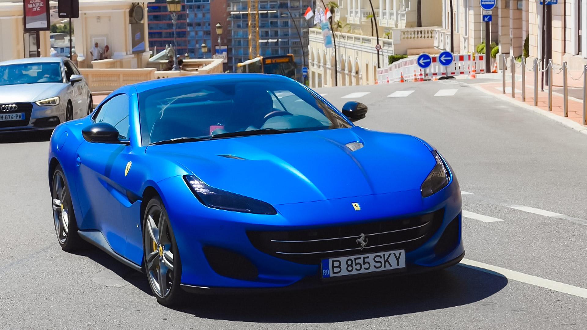 Ferrari Portofino - B-855-SKY (RO)