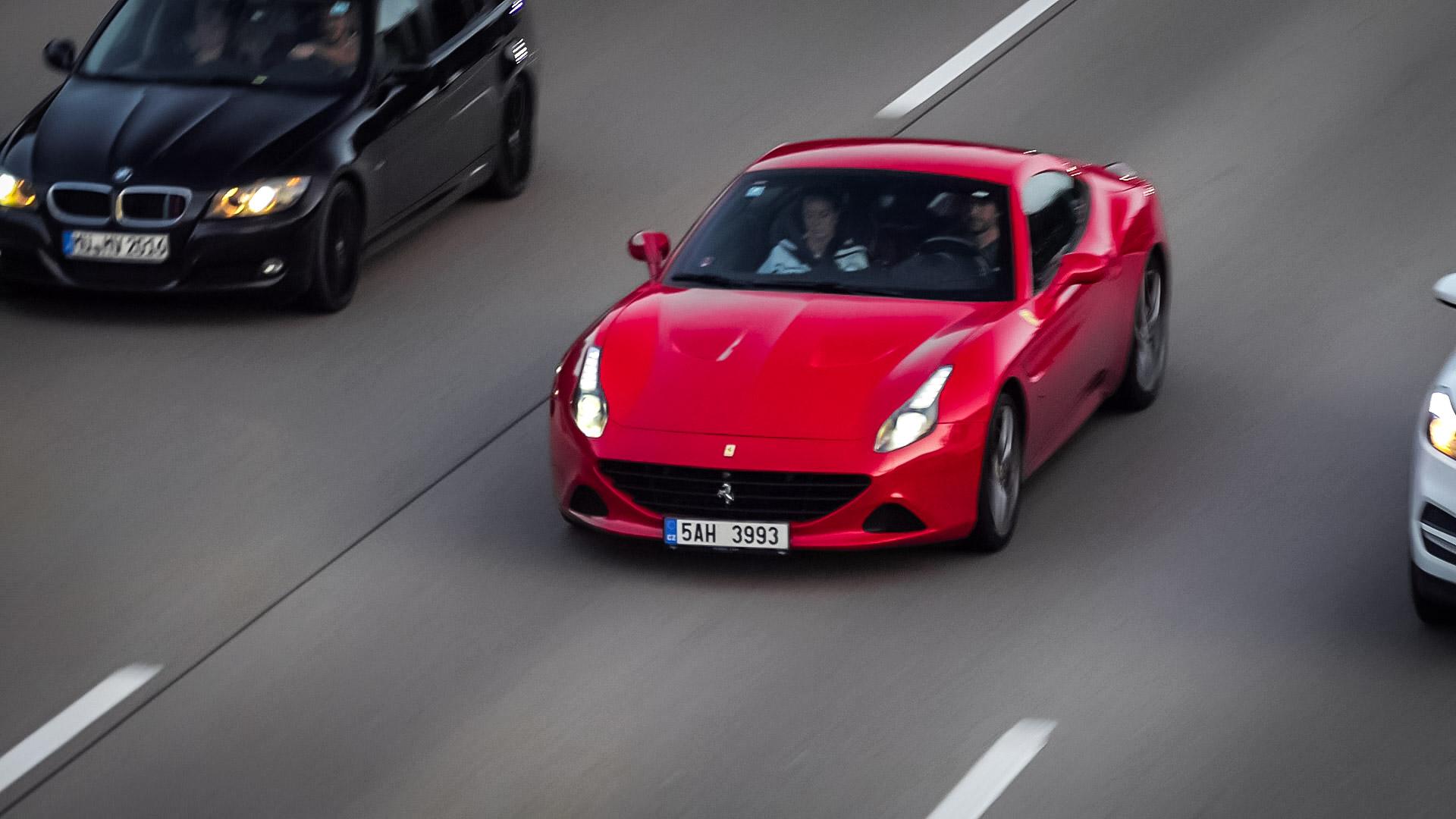 Ferrari California T - 5AH-3993 (CZ)