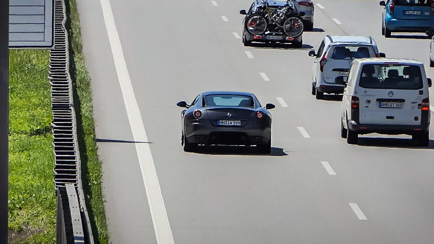 Ferrari 599 GTB - HH-IW-599