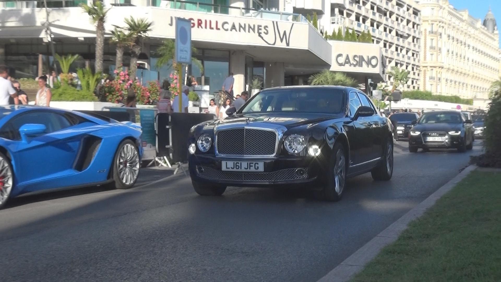 Bentley Mulsanne - LJ61-JFG (GB)