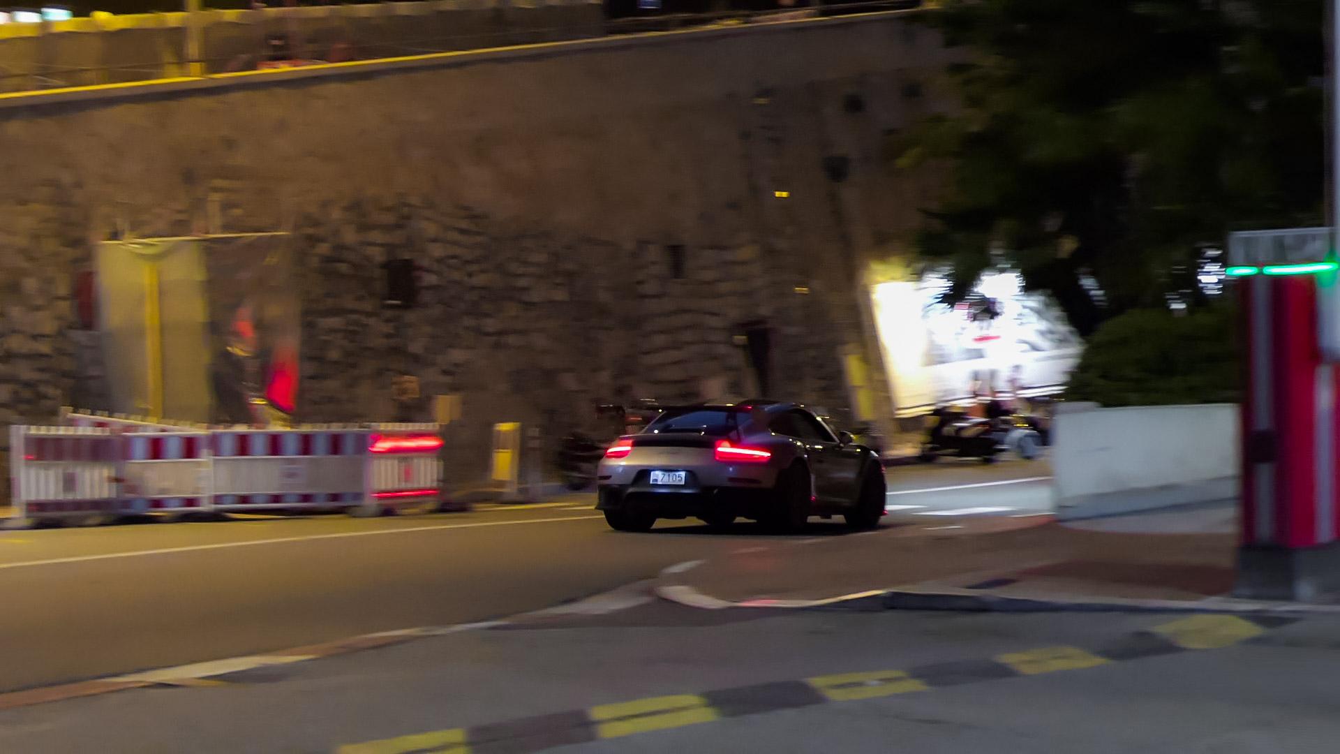 Porsche GT2 RS - 7105 (MC)