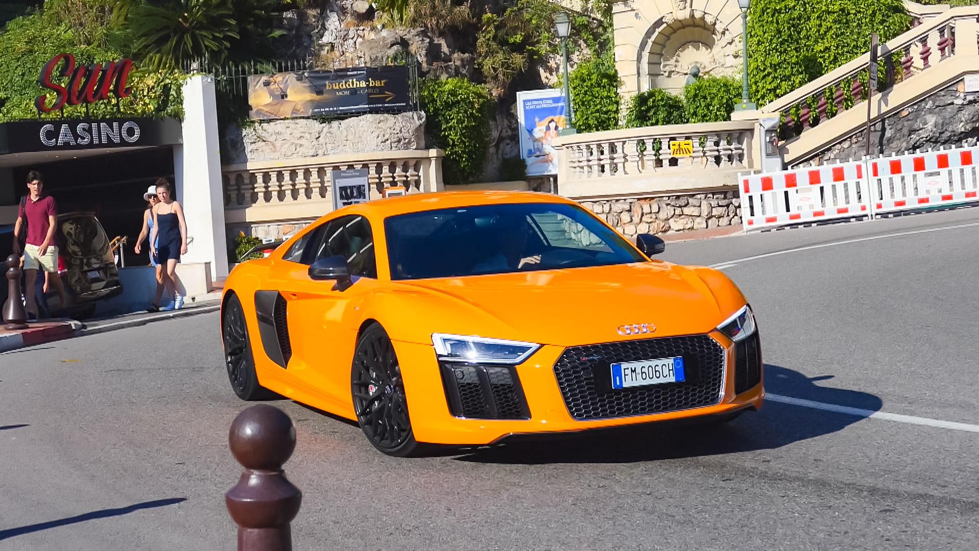 Audi R8 V10 - FM-606-CH (ITA)
