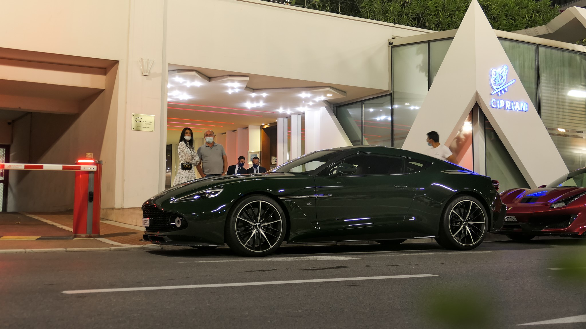 Aston Martin Vanquish Zagato - 2953 (MC)