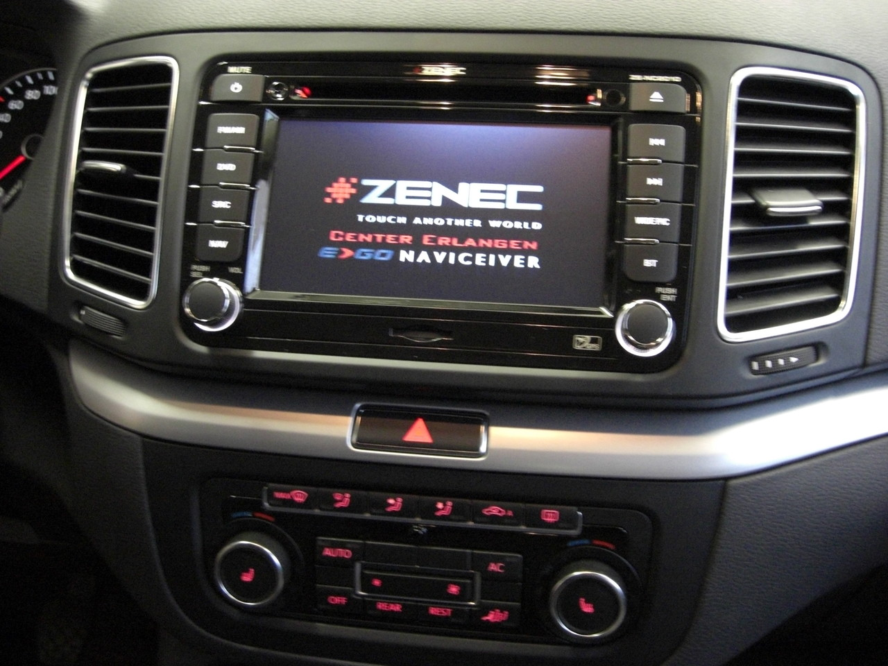 car hifi dvd navigation mobile media tel installationen. Black Bedroom Furniture Sets. Home Design Ideas