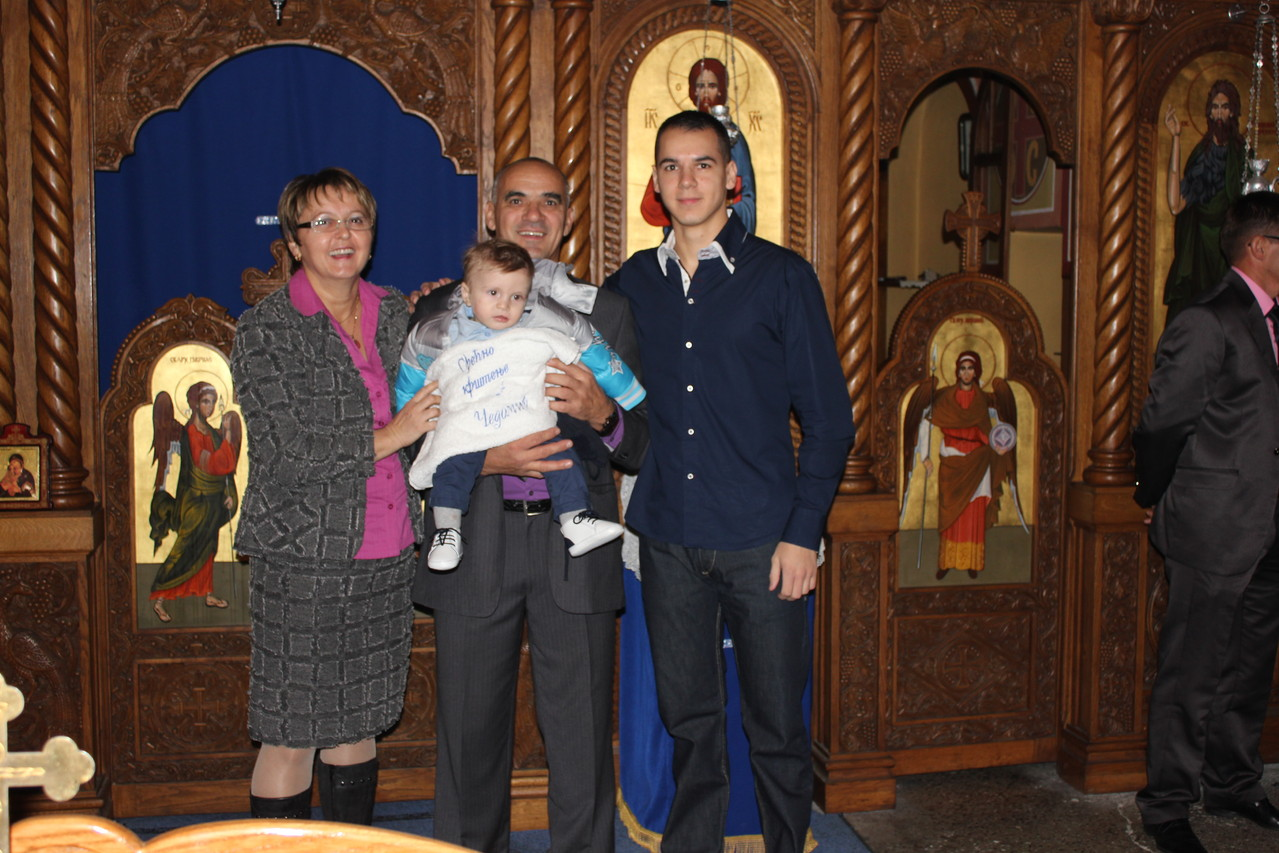 Djeda Marko sa Suprugom Milicom i sunom Ognjenom