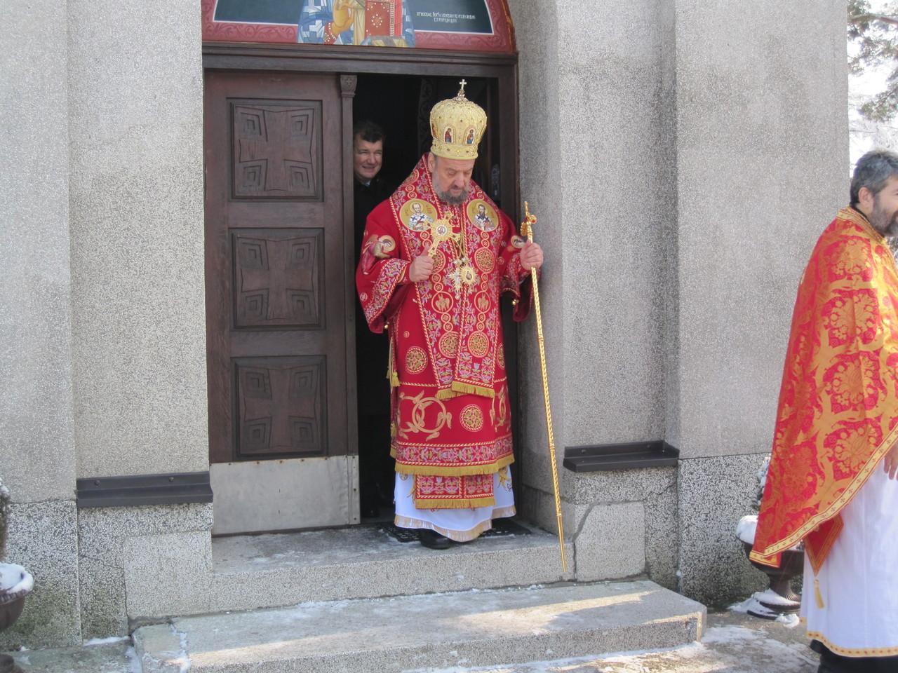 Владика Василије лично служио молитву
