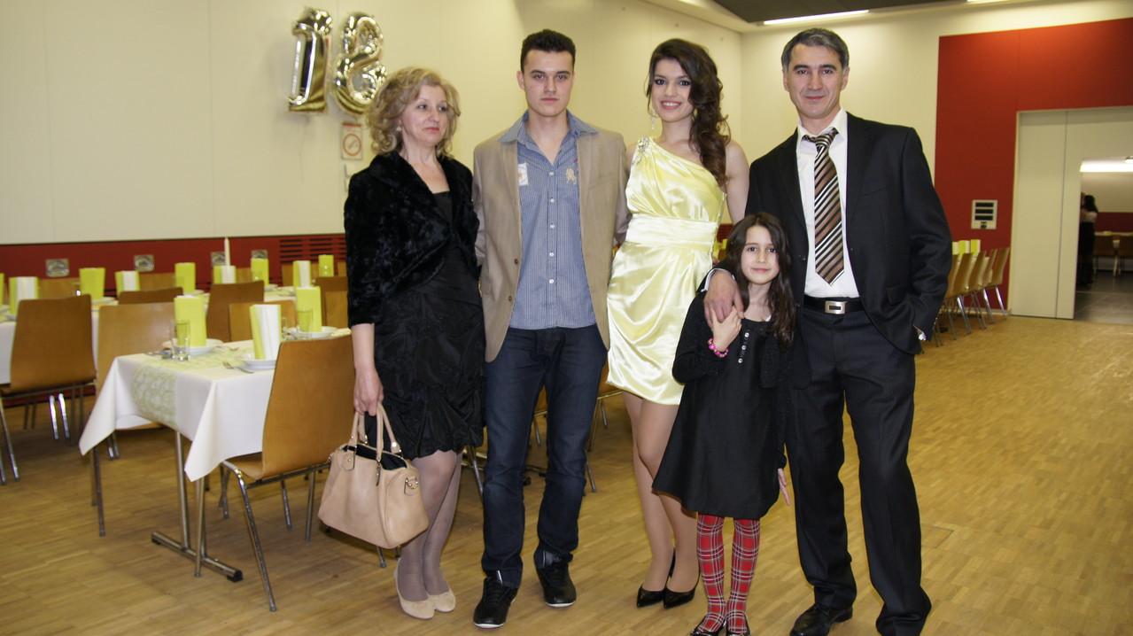 Tatjana sa Roditeljima,Bratom i Sestrom
