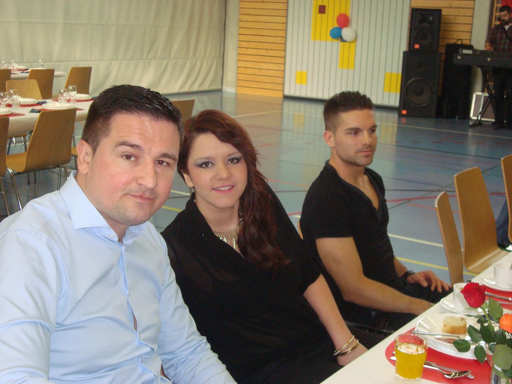 Milena sa bratom