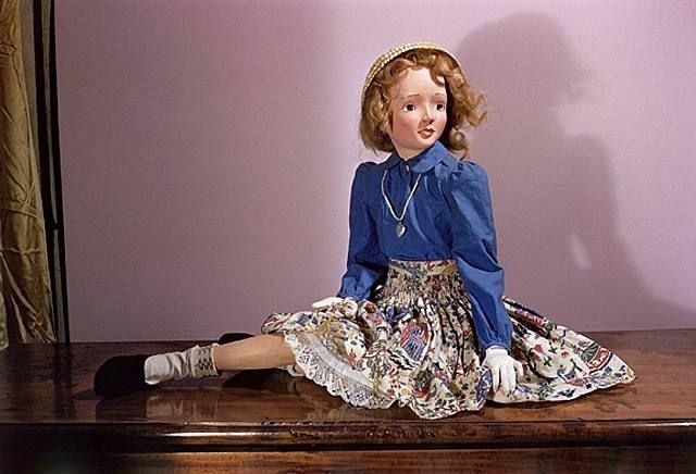 モートン・バートレットの人形
