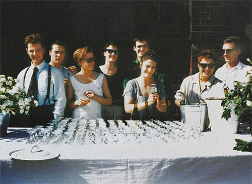 ※3:「Freeze」(1988年)。ハーストは左から2番目。