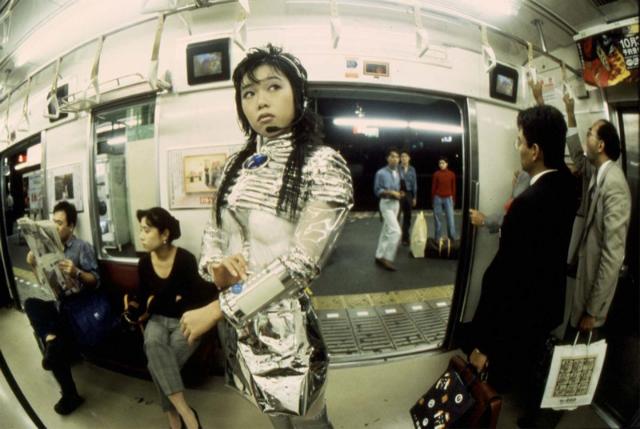 森万里子《Subway》1995年