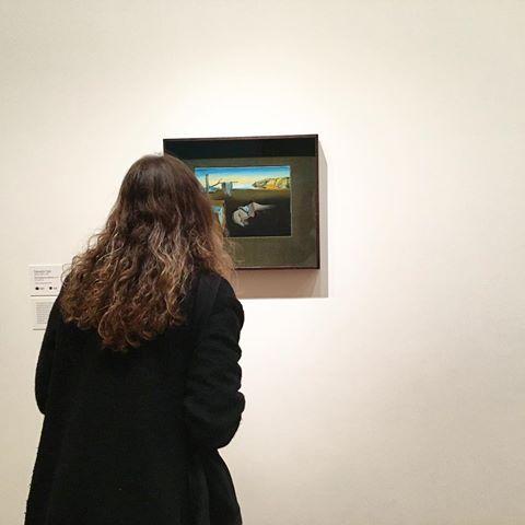 MoMAにある「記憶の固執」。巨大作品が多いだり作品の中ではサイズは小さい。