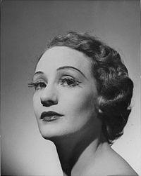オーストラリアのバレリーナことローレルマーティンのポートレイト(1952年)
