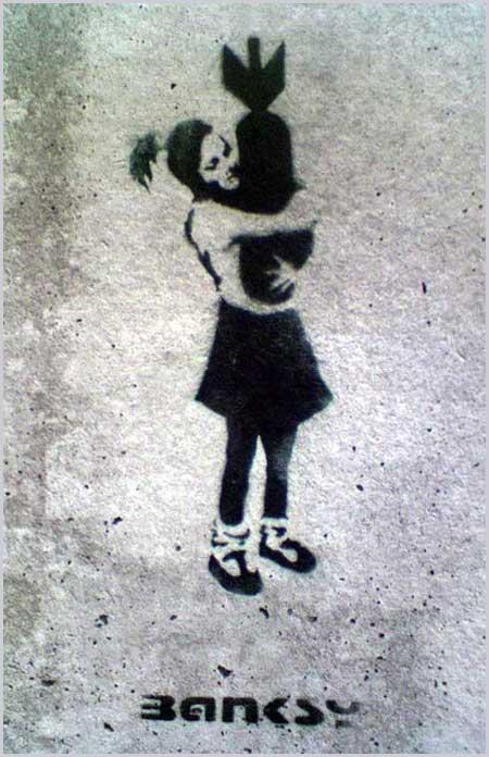 イースト・ロンドンの壁に描かれた『爆弾愛』