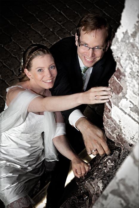 Fotograf klettert mit bei Hochzeitsfotos in Münster