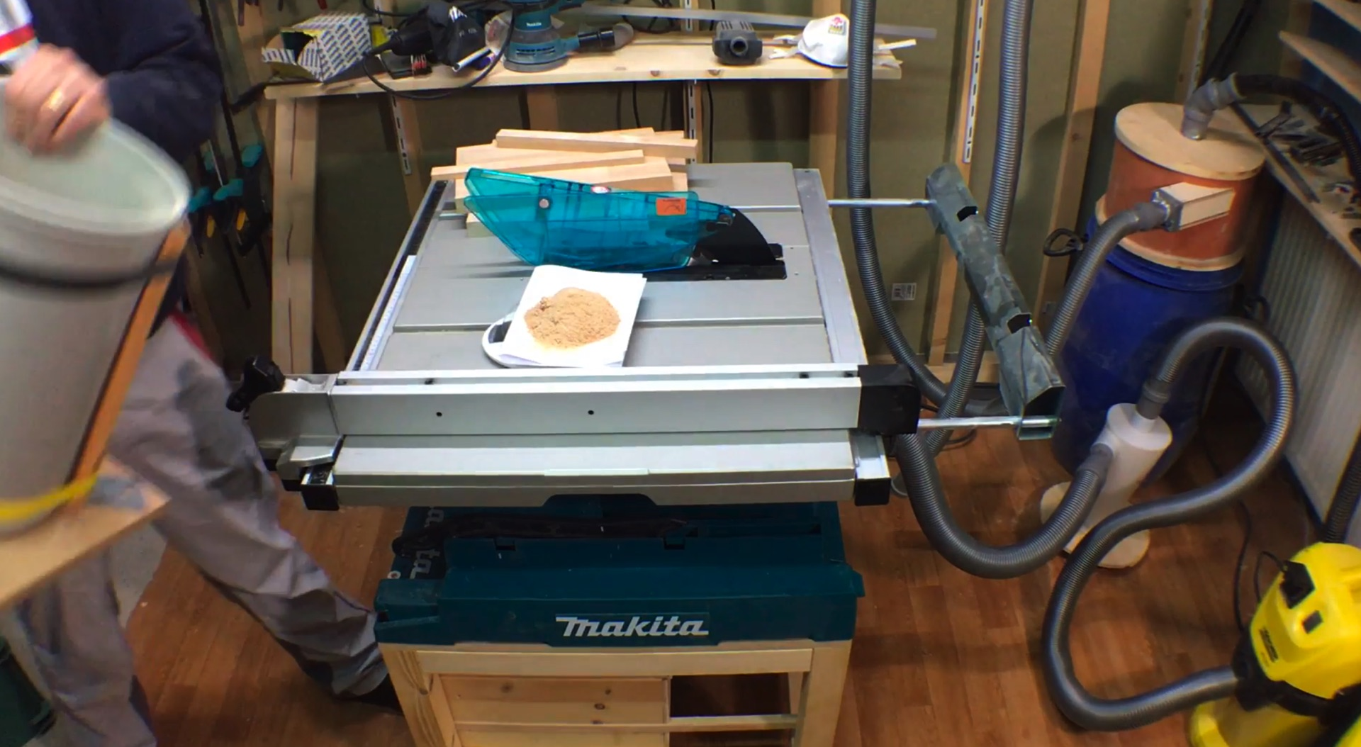 Measuring the suction capabilities of the system on my table saw