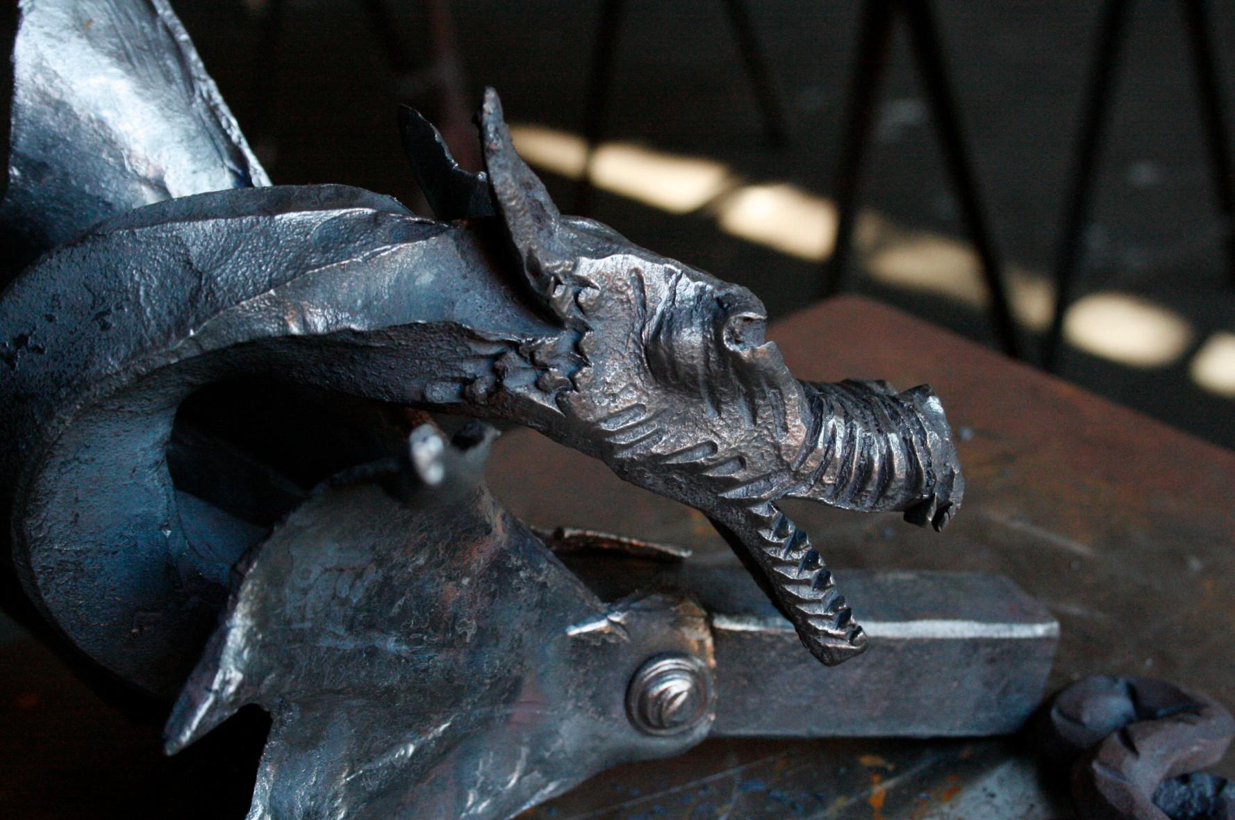 Cabeza de Dragón realizada por alumno del 1ºcurso de Forja Tradicional de la Escuela de Herreros