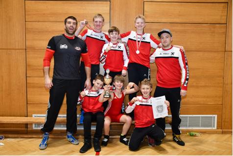 Medaillengewinner bei der Schüler ÖM mit ihren Trainern