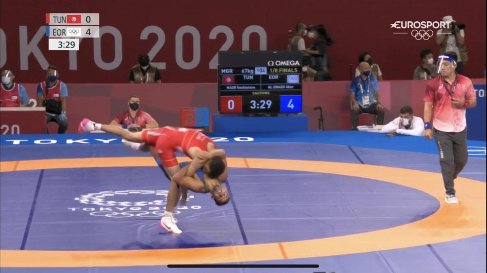 Aker besiegt den Tunesier NASR mit diesem herrlichen Wurf mit 8:0