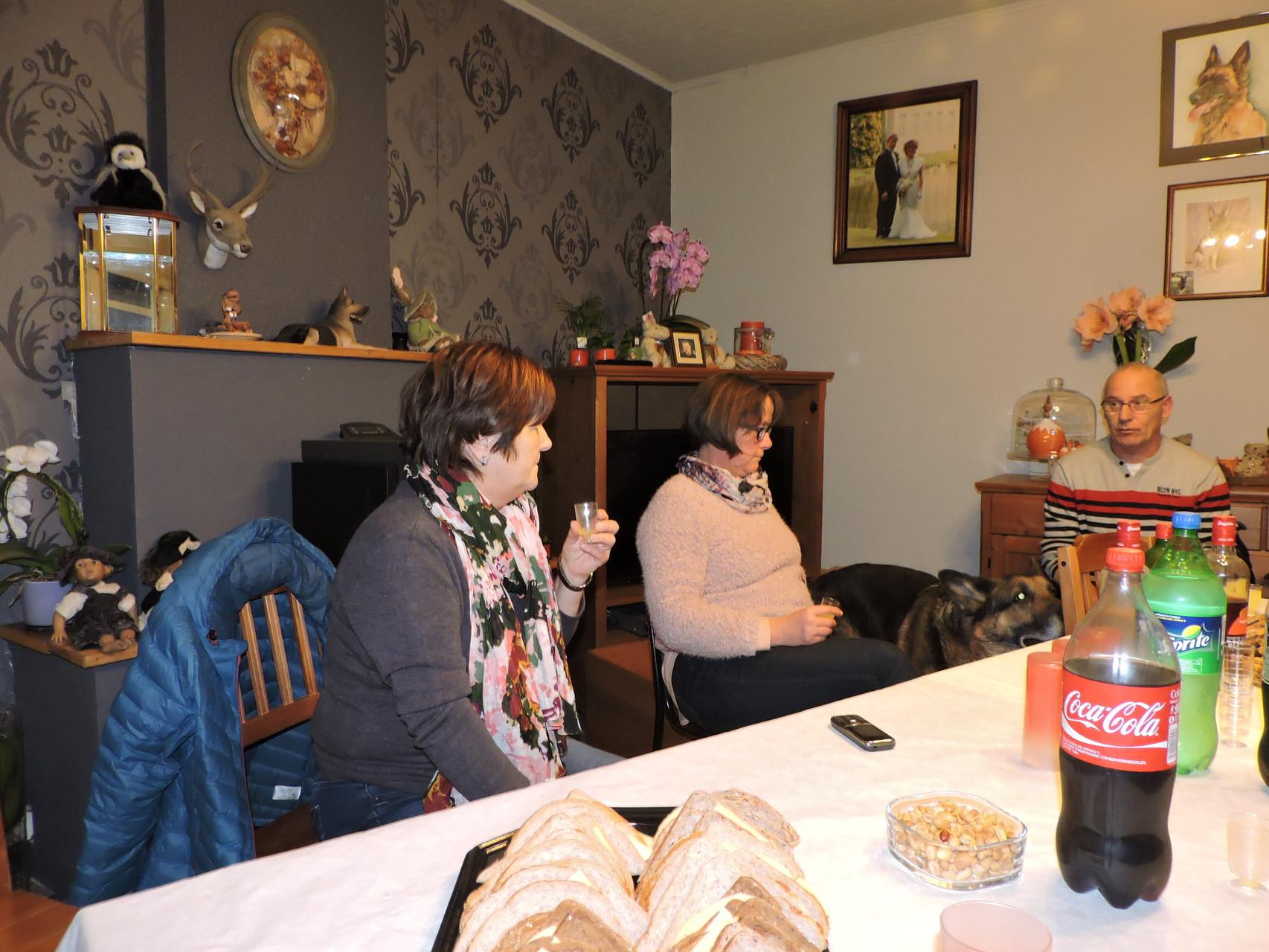 begin kletskes avand met Vera en Adeline Ivan
