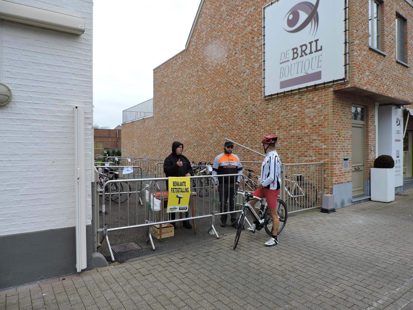 de bewakers van de fietsen stalling