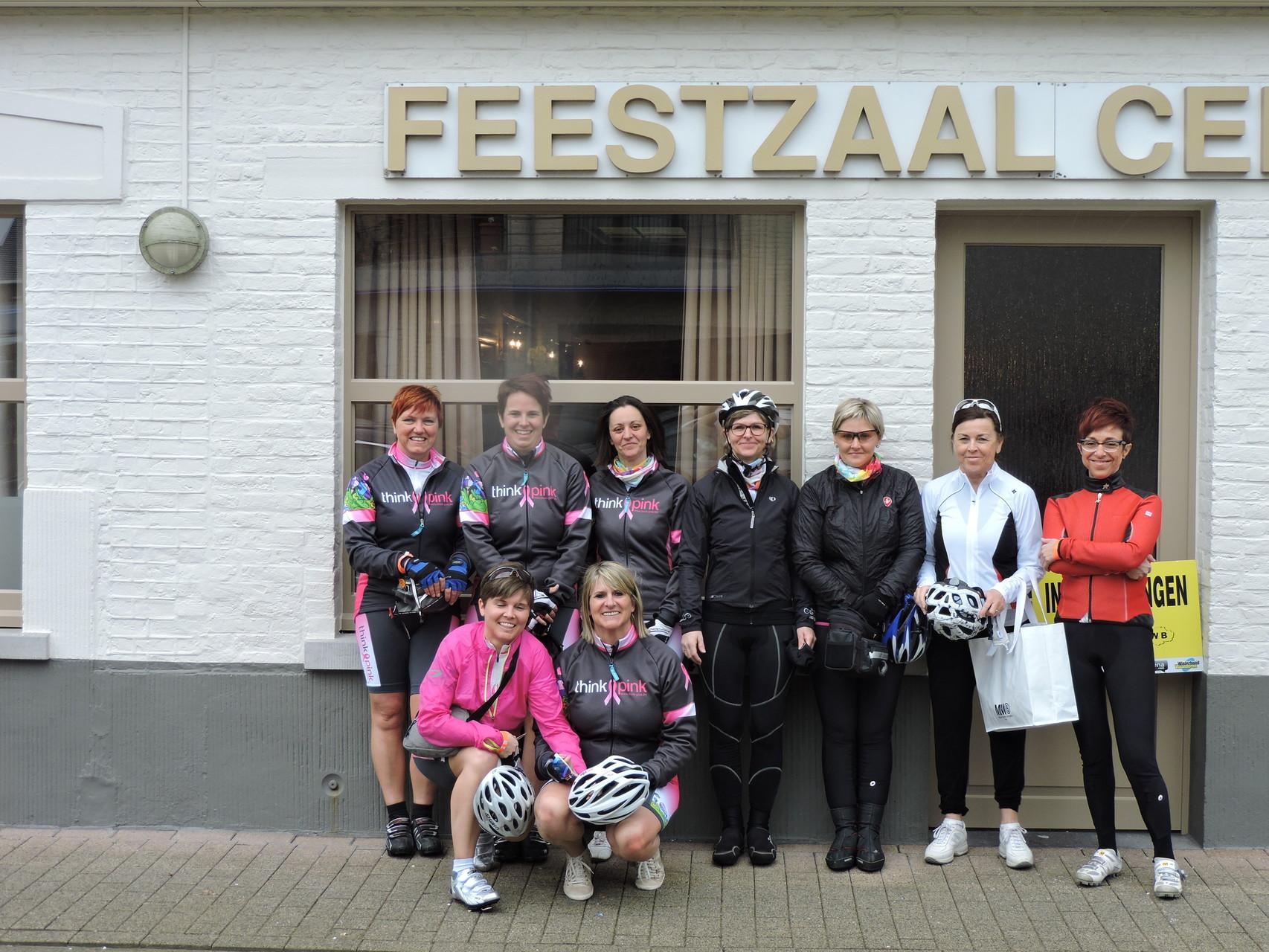 de fiets vrouwen van  think pink
