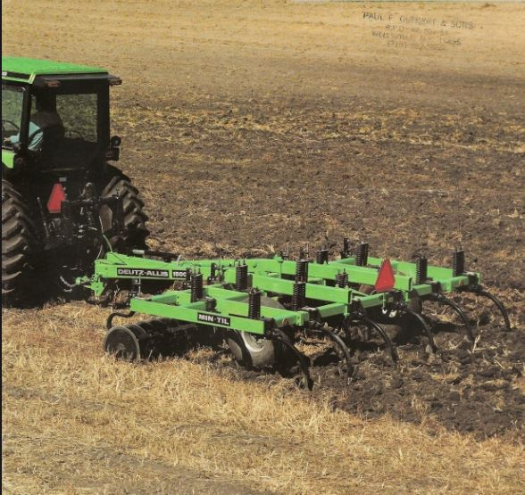 Deutz-Allis 1500 Grubber (Quelle: SDF)