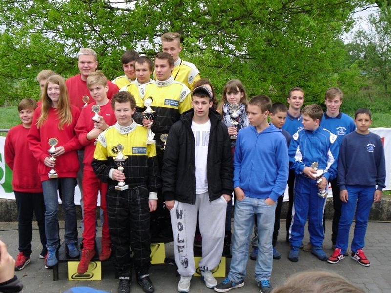 Zweiter Platz für die Hadler Mannschaft (li.) hinter dem Gastgeber, BSC Aukrug