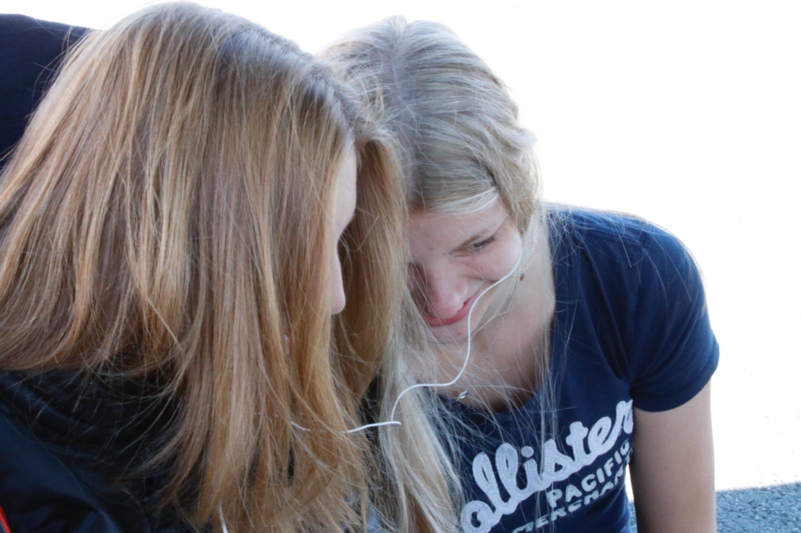 Janica Schlüer und Alicia Föge