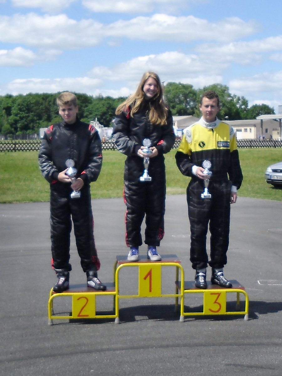 Doppelsieg in Klasse 4 mit Janica Schlüer auf Platz 1 und David Anderson auf Rang 2