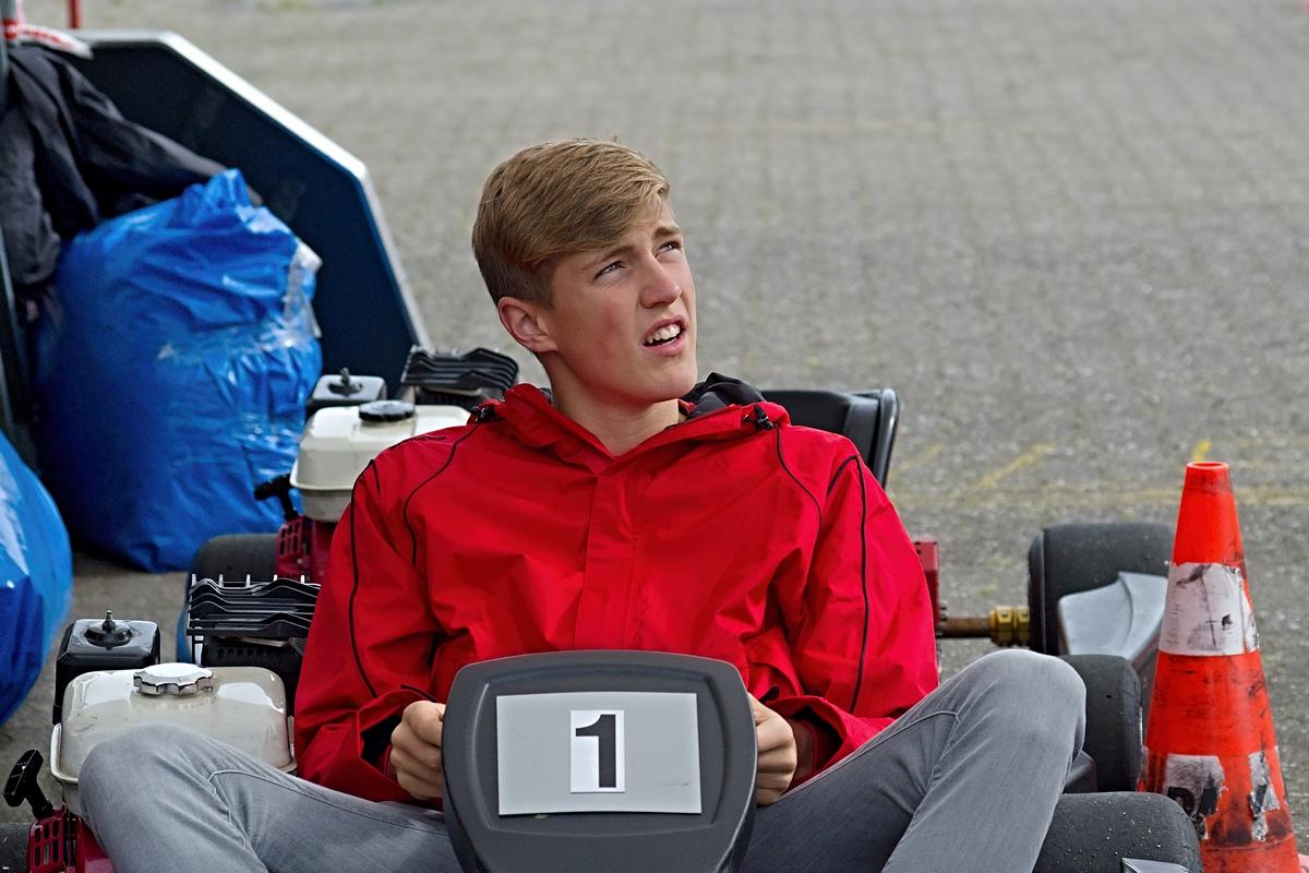 Fabian Meyer im Kart - noch ohne Helm zu Beginn der Veranstaltung