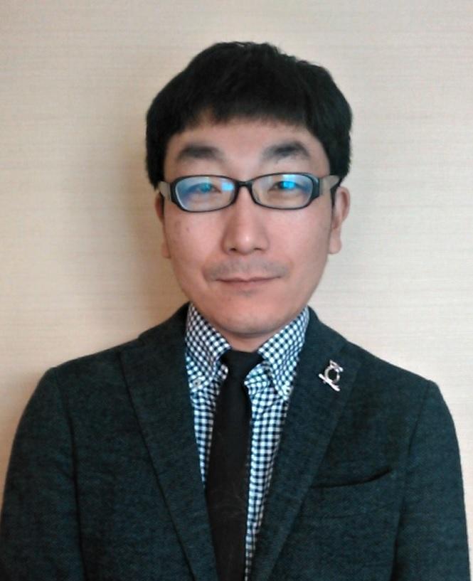 代表取締役川辺健