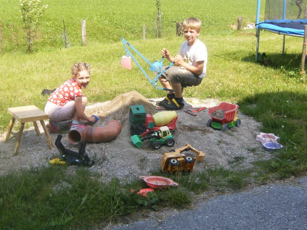 Biohof Haus Wieser, Abtenau, Salzburg Land, Sand spielen